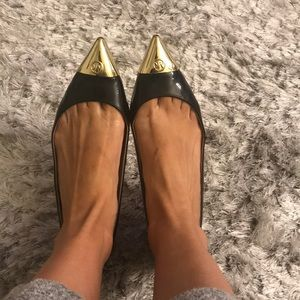 Micheal Kors gold cap toe flat